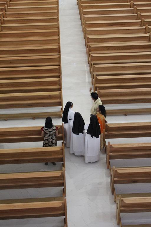St. Paul's Mussaffah - Letzt Vorbereitungen . Inauguration . Kirchweihe (34)