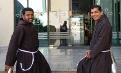 Erste Priesterweihen in den Emiraten